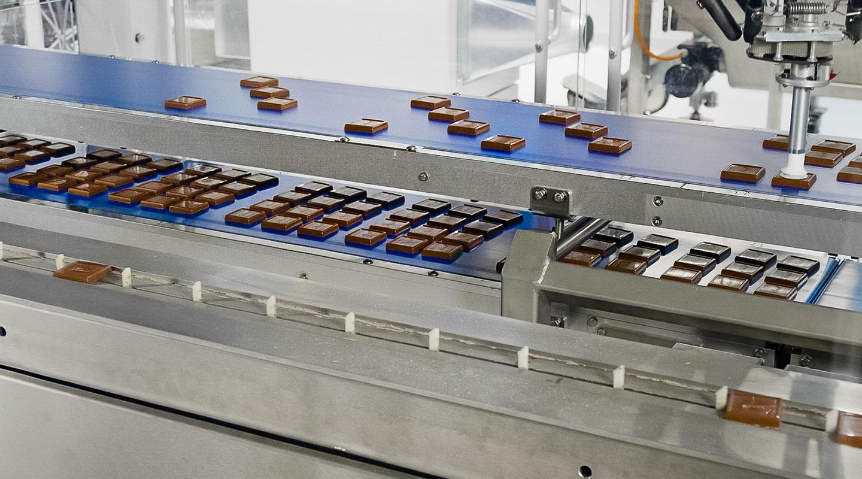 Verpacken in der Schokoladenfabrik